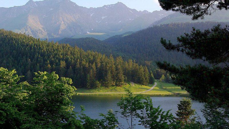 Le lac de Payolle dans les Pyrénées
